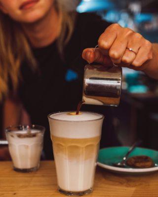 We leuv you a latte (macchiato) ♥ Barleuv.