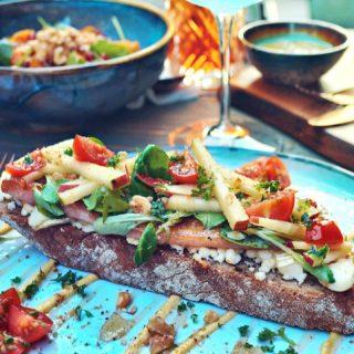 New on the menu - Goatcheese & Bacon 🙌  Barleuv.